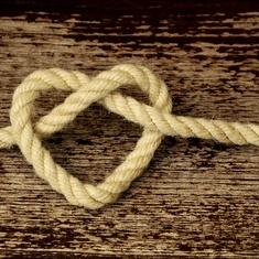 Sitkeä Sydän Sanat